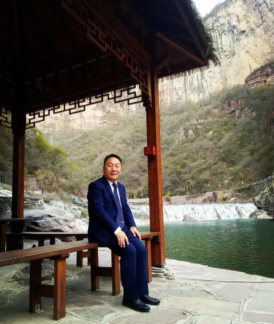 诗歌丨王鹏:逆行的英雄